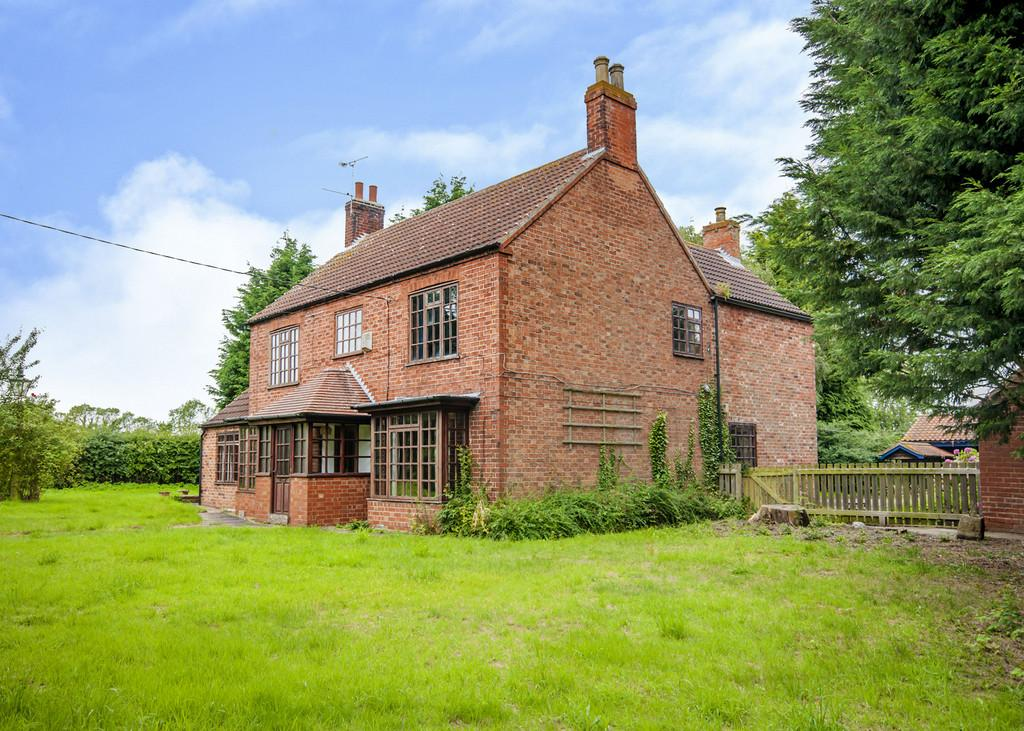 3 Bedrooms Detached House for sale in Cottam Road, Treswell, Retford