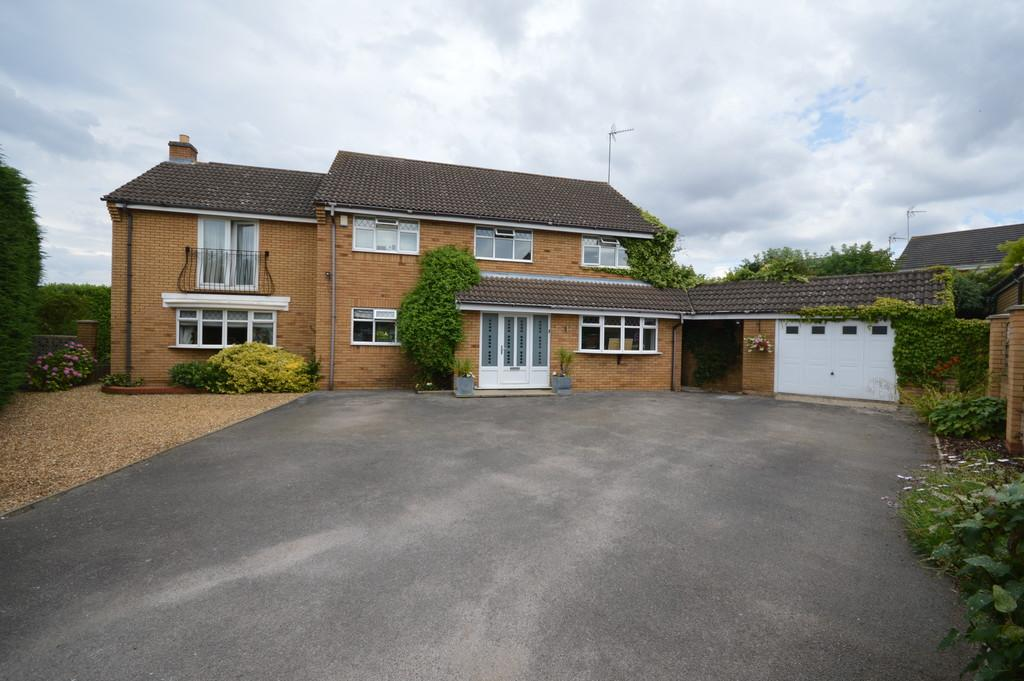 5 Bedrooms Detached House for sale in Brambleside, Thrapston