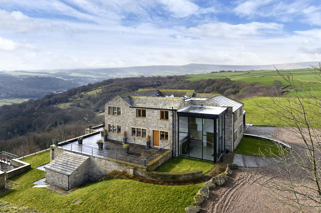 4 Bedrooms Detached House for sale in Church Lane, South Crosland, Huddersfield