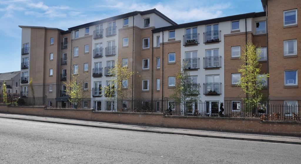 1 Bedroom Flat for sale in 15 Hilltree Court, 96 Fenwick Road, Giffnock, G46 6AA