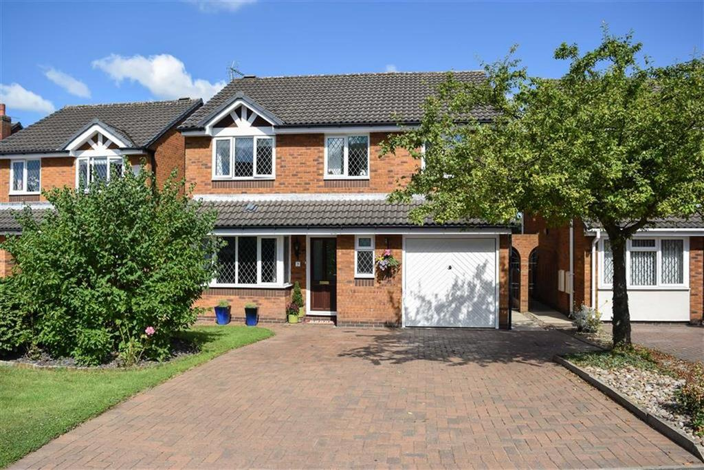 4 Bedrooms Detached House for sale in Cedar Close