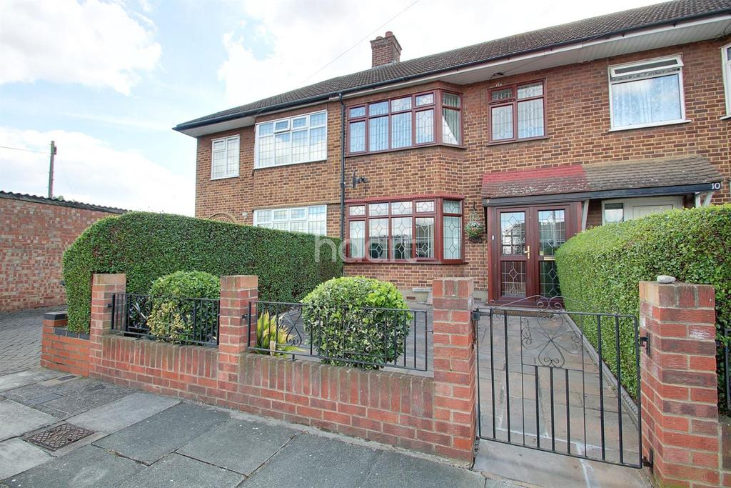 3 Bedrooms Terraced House for sale in Rosemary Gardens, Dagenham