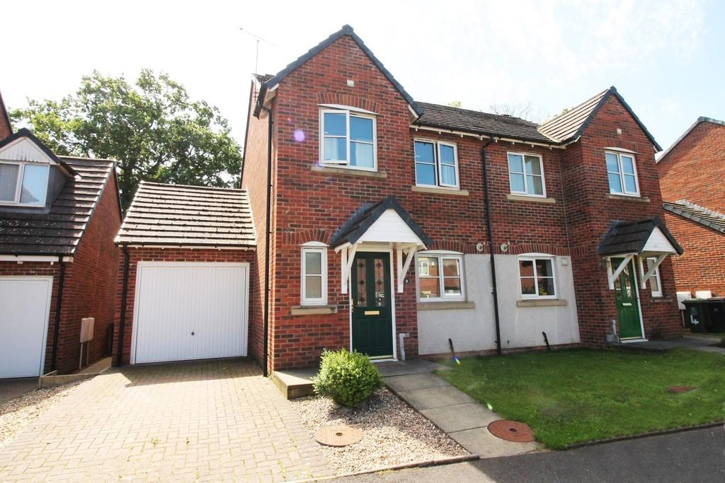 3 Bedrooms Semi Detached House for sale in Whitfell Avenue, Carlisle