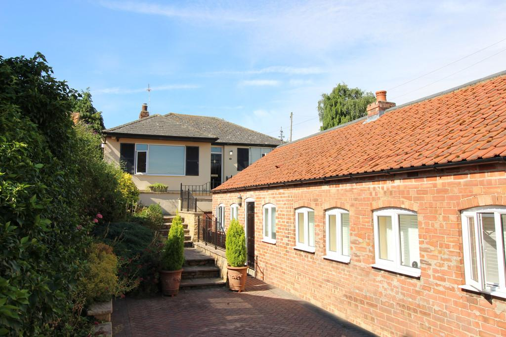 3 Bedrooms Cottage House for sale in Main Street, Wilsford