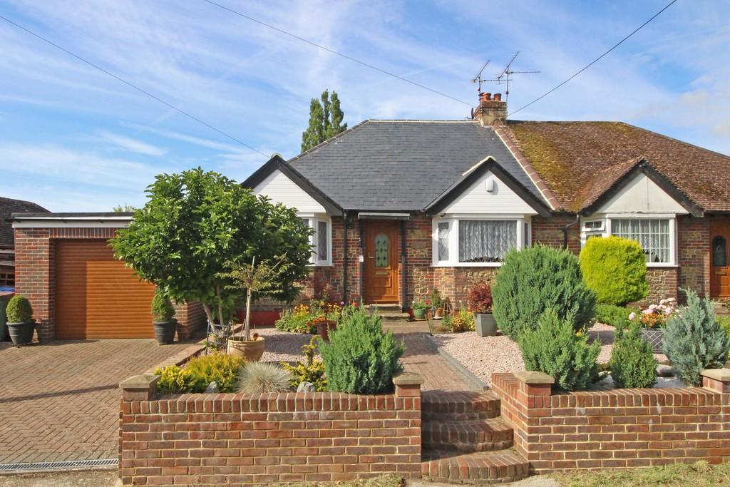 2 Bedrooms Semi Detached Bungalow for sale in Upper Beeding