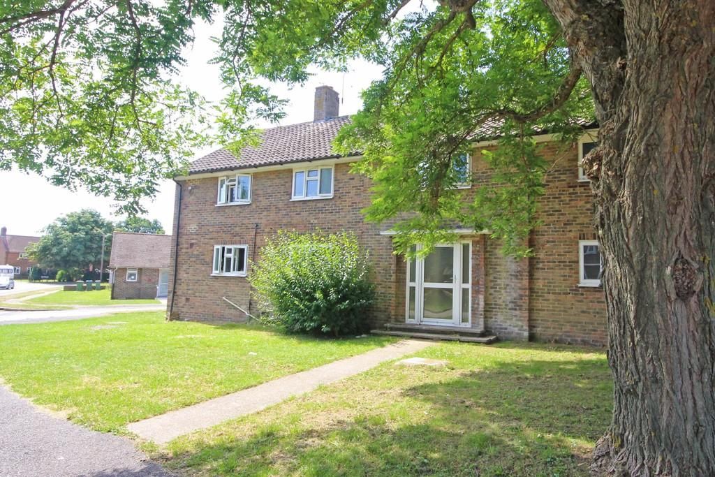 2 Bedrooms Ground Flat for sale in Steyning