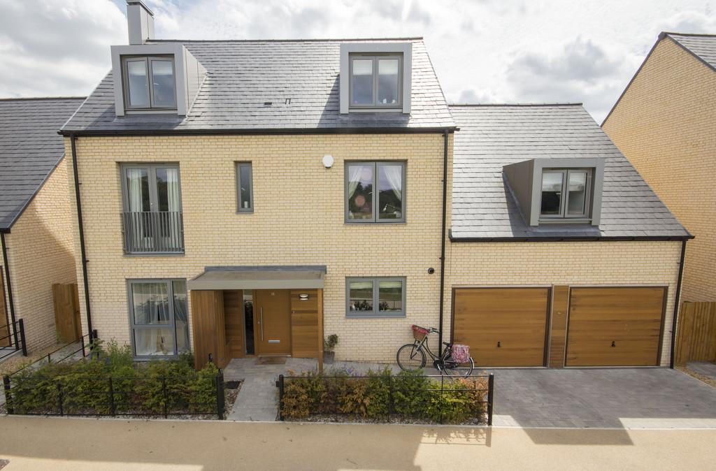 5 Bedrooms Detached House for sale in Avalon Way, Trumpington