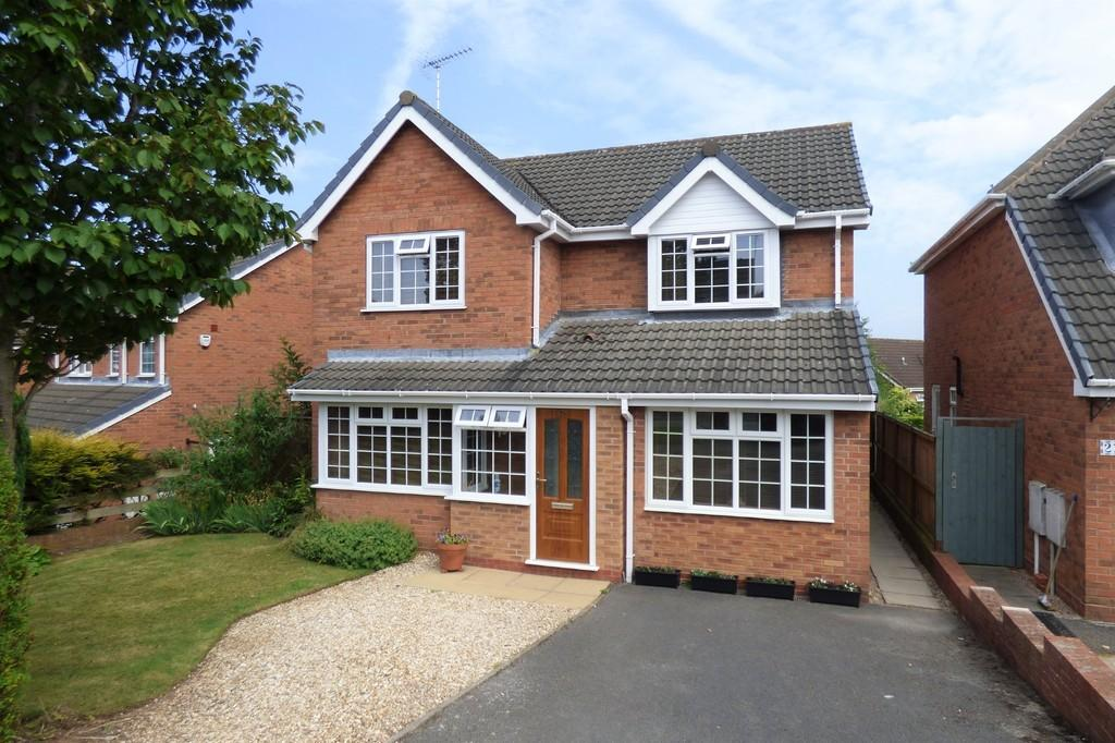 3 Bedrooms Detached House for sale in Foxglove Avenue, Uttoxeter