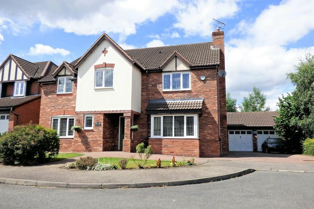 5 Bedrooms Detached House for sale in Furrows Drive, Burton-on-Trent