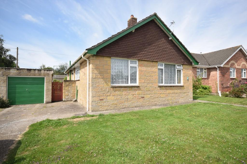 2 Bedrooms Detached Bungalow for sale in Kennedy Close, Wootton Bridge