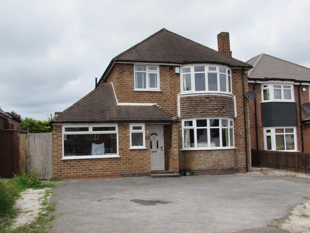 3 Bedrooms Detached House for sale in Lode Lane, Solihull
