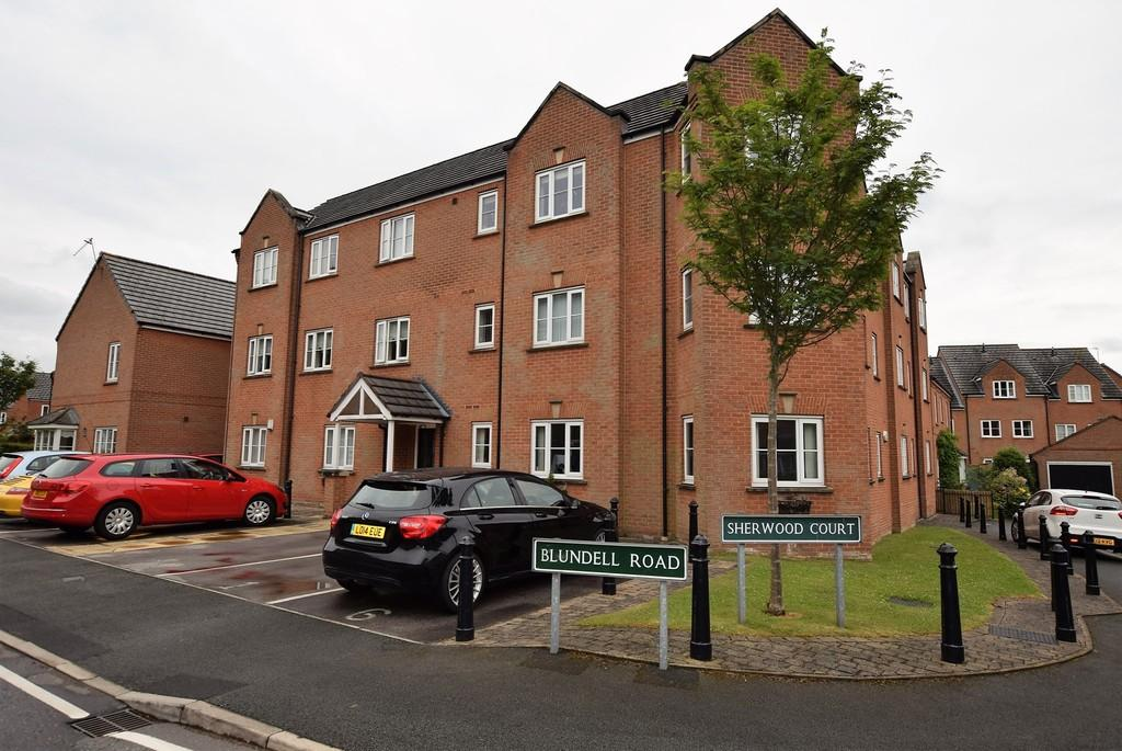 2 Bedrooms Apartment Flat for sale in Sherwood Court, Blundell Road, Whiston