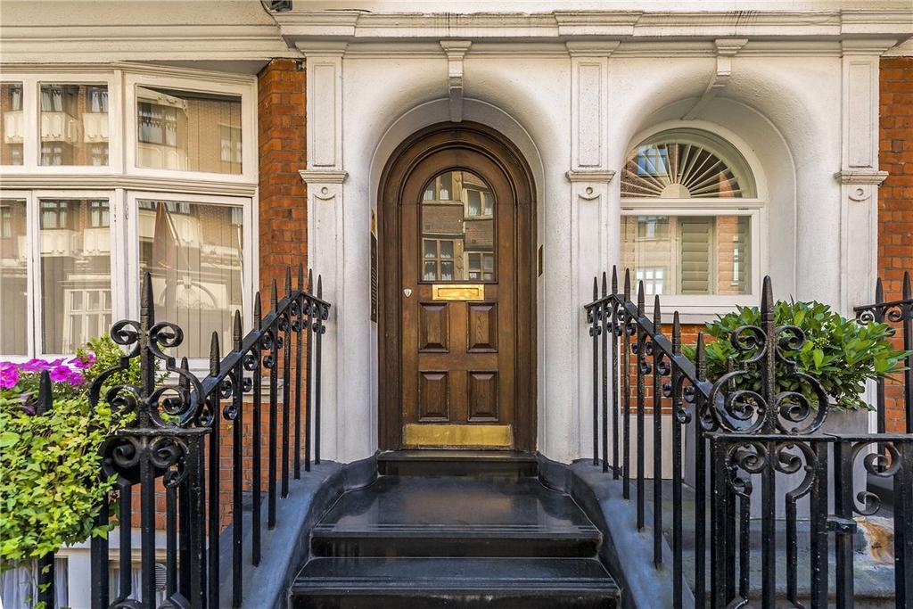 Studio Flat for sale in Jefferson House, 11 Basil Street, London, SW3