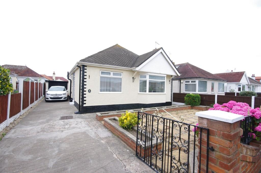 2 Bedrooms Detached Bungalow for sale in Victoria Road West, Prestatyn