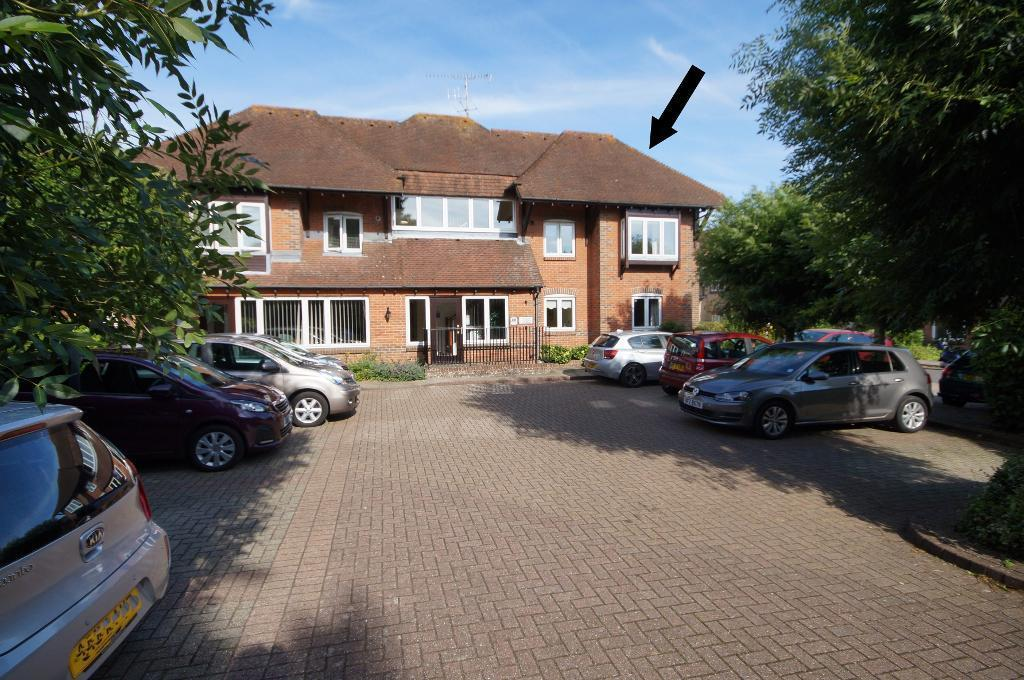 1 Bedroom Flat for sale in Penns Court, Steyning, BN44 3BF