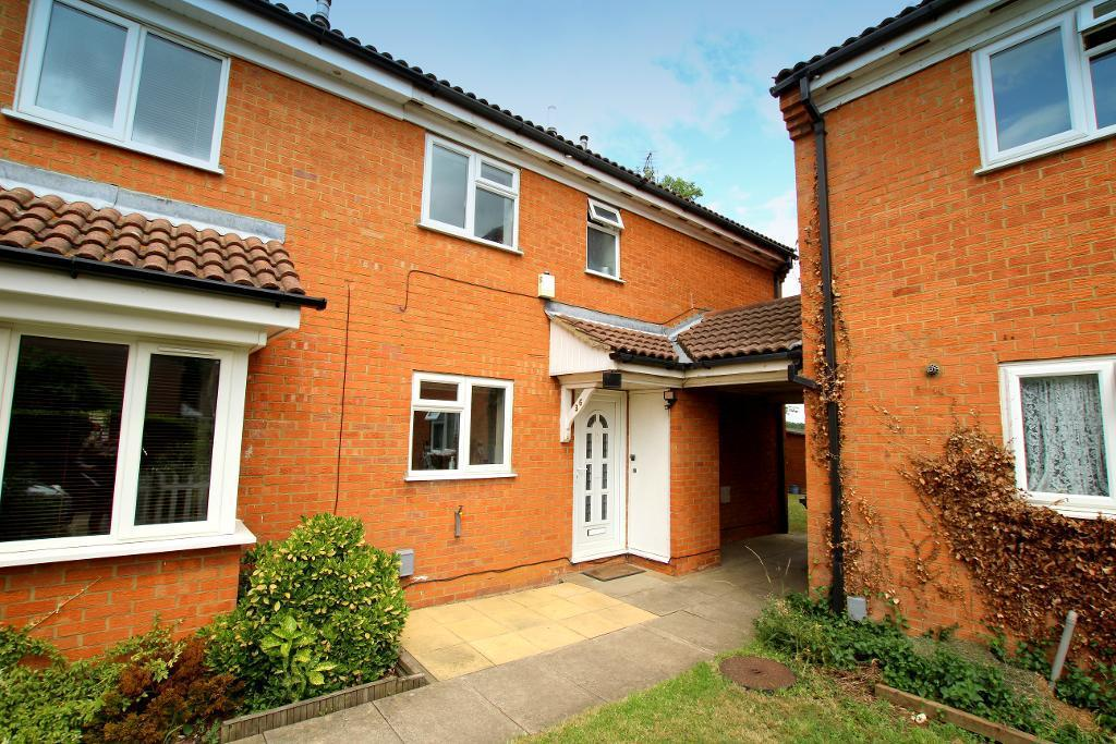 2 Bedrooms Cluster House for sale in Cherry Tree Way, Ampthill, Bedfordshire, MK45 2SY