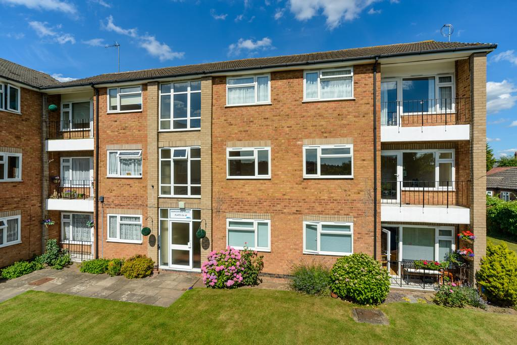 2 Bedrooms Apartment Flat for sale in Barrowfield Court, Kenilworth