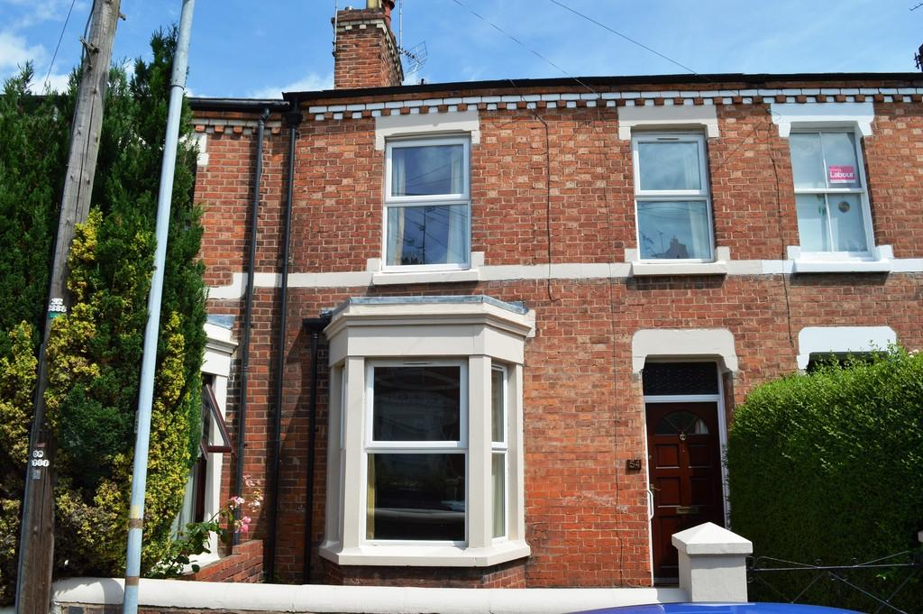 3 Bedrooms Terraced House for sale in Gladstone Road, Chester