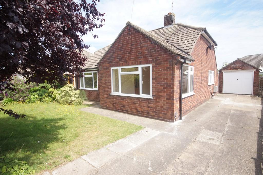 4 Bedrooms Detached Bungalow for sale in Victor Drive, North Hykeham