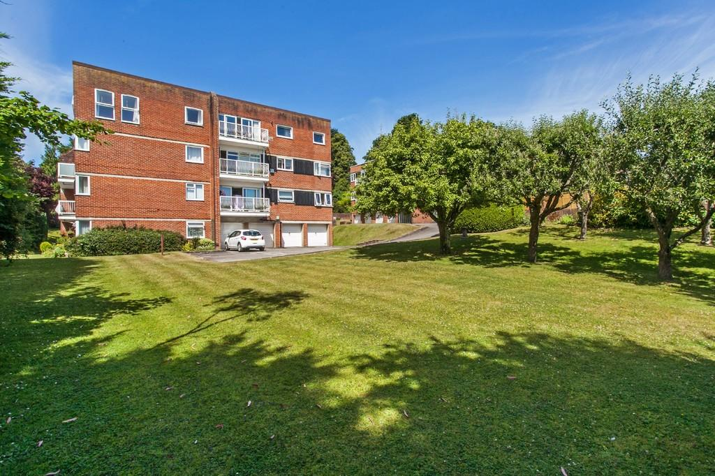 2 Bedrooms Ground Flat for sale in Worthy Road, Winchester, SO23