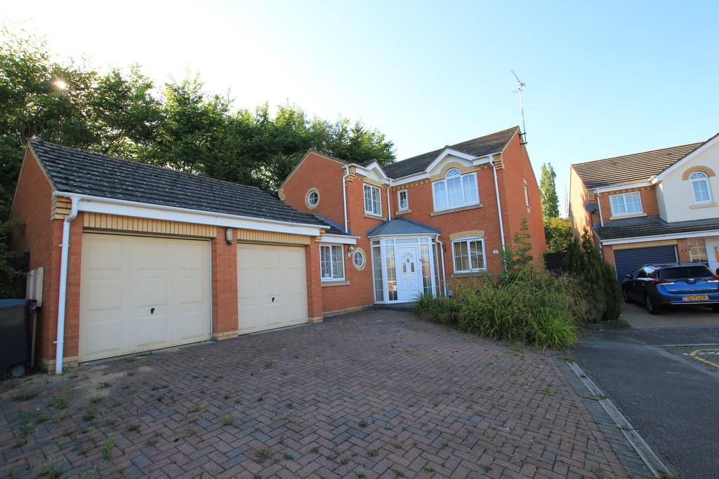 4 Bedrooms Detached House for sale in Sparrow Drive, Stevenage