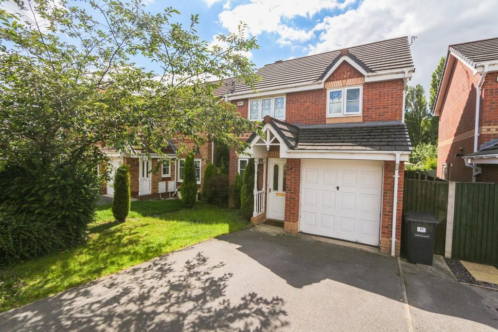3 Bedrooms Detached House for sale in 19 Sandywarps, Irlam, Manchester