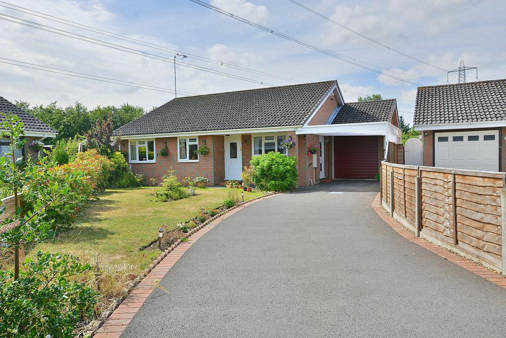 3 Bedrooms Detached Bungalow for sale in Fairwood Road, Verwood