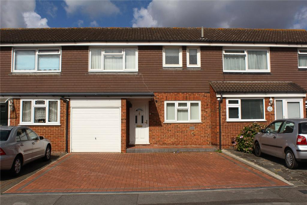 3 Bedrooms Terraced House for sale in Chevington Way, Hornchurch, RM12
