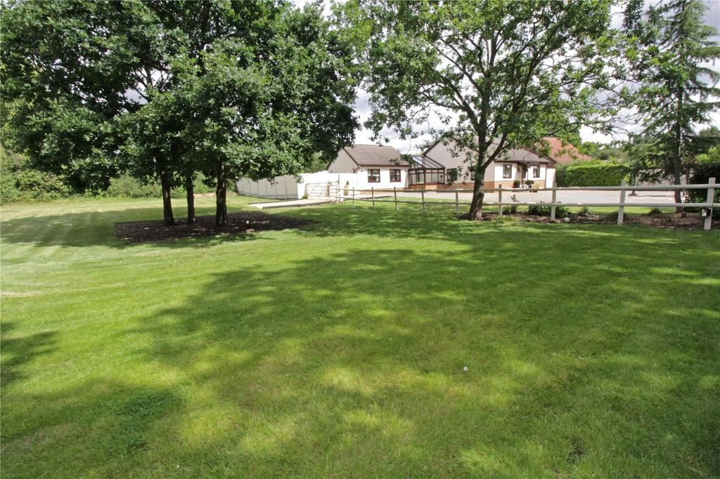 4 Bedrooms Detached House for sale in Green Lane, Little Burstead, Billericay, Essex, CM12
