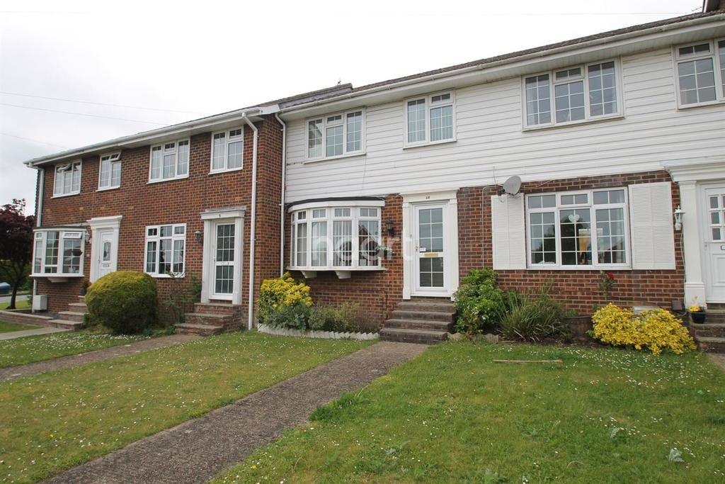 3 Bedrooms Terraced House for sale in New Road, Clanfield, Hampshire.
