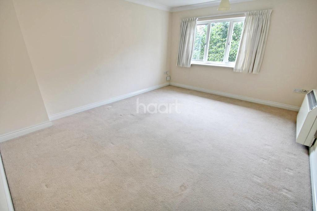 2 Bedrooms Flat for sale in Rowan Place, Colchester