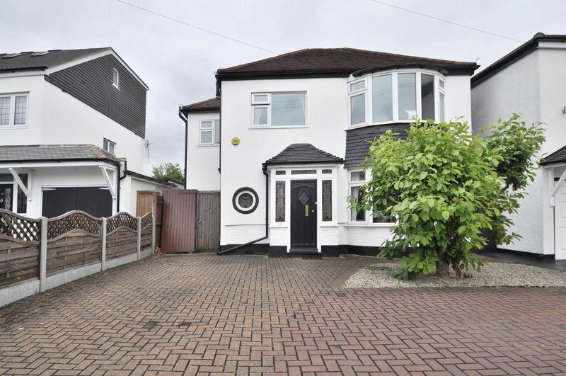 4 Bedrooms Detached House for sale in Arbuthnot Lane, Bexley