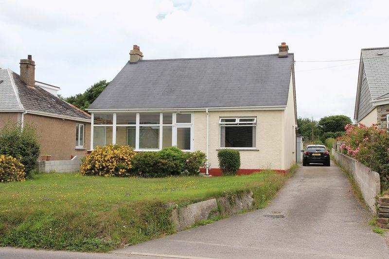 2 Bedrooms Detached Bungalow for sale in East Road, Newquay