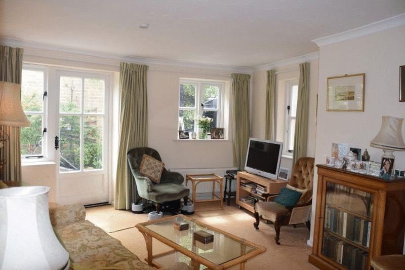 3 Bedrooms Terraced House for sale in Wishay Street, Dorchester