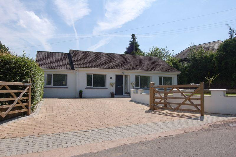 4 Bedrooms Bungalow for sale in St. Maughans, Monmouth