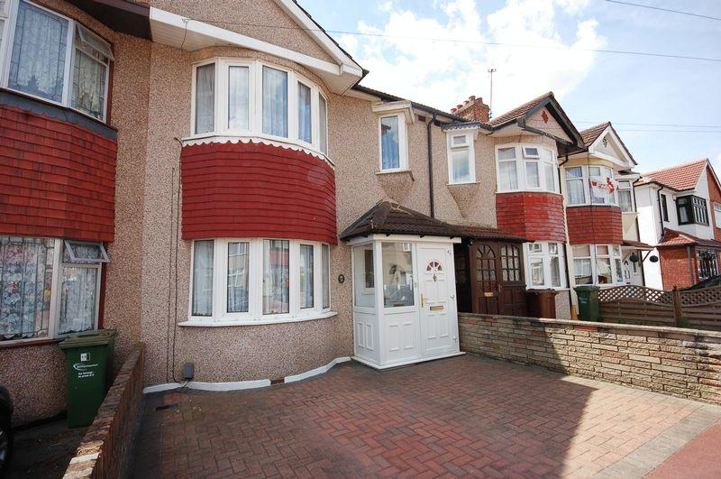 3 Bedrooms Terraced House for sale in Beamway, Dagenham