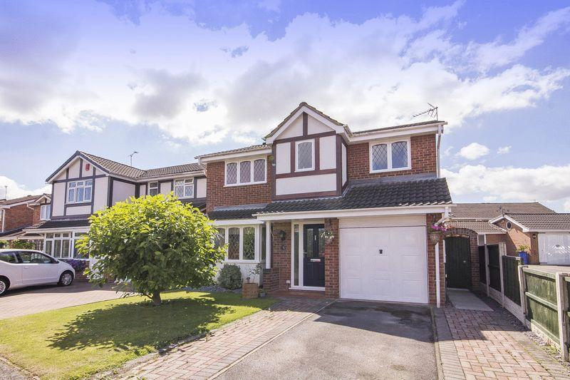 4 Bedrooms Detached House for sale in CLOVERDALE DRIVE, SINFIN