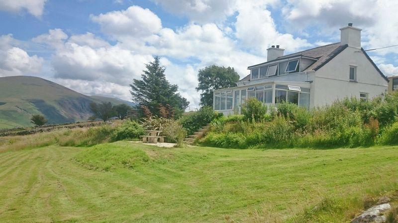 3 Bedrooms Cottage House for sale in Waunfawr, Gwynedd