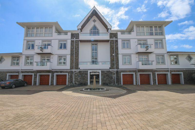 3 Bedrooms Apartment Flat for sale in King Edward Road, Onchan