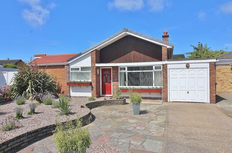 3 Bedrooms Detached Bungalow for sale in Furness Close, Ainsdale