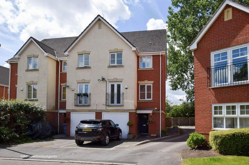 3 Bedrooms Town House for sale in Crossland Mews, Lymm
