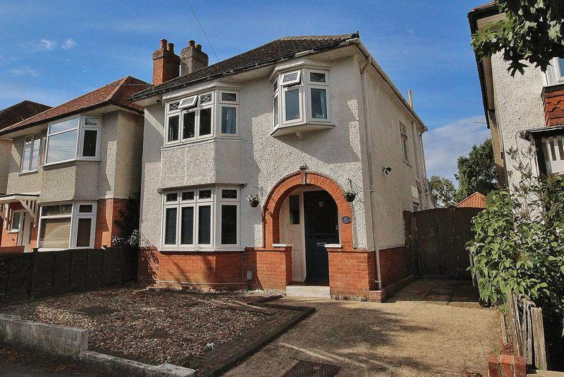 3 Bedrooms Detached House for sale in Warnford Road, Southbourne, Bournemouth