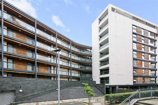 2 Bedrooms Flat for sale in Hallings Wharf Studios, Channelsea Road, Stratford