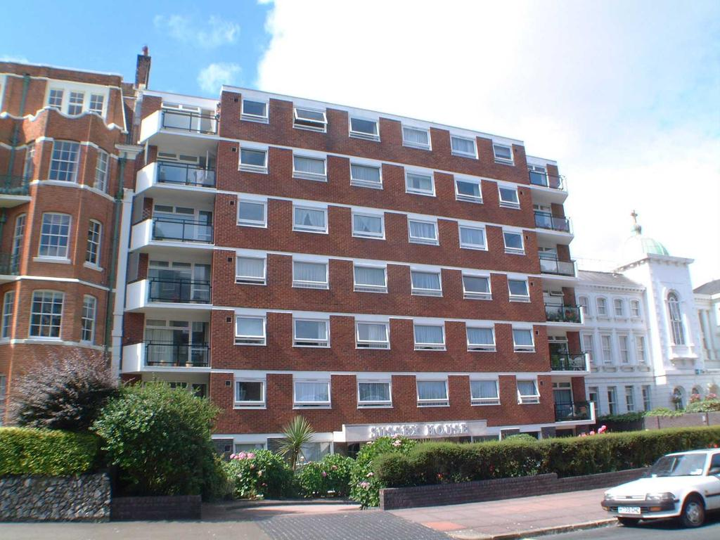 2 Bedrooms Apartment Flat for sale in Hartington Place, Eastbourne BN21