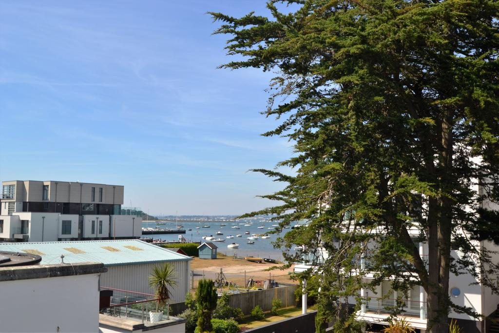 3 Bedrooms Apartment Flat for sale in 8 Panorama Road, Sandbanks BH13