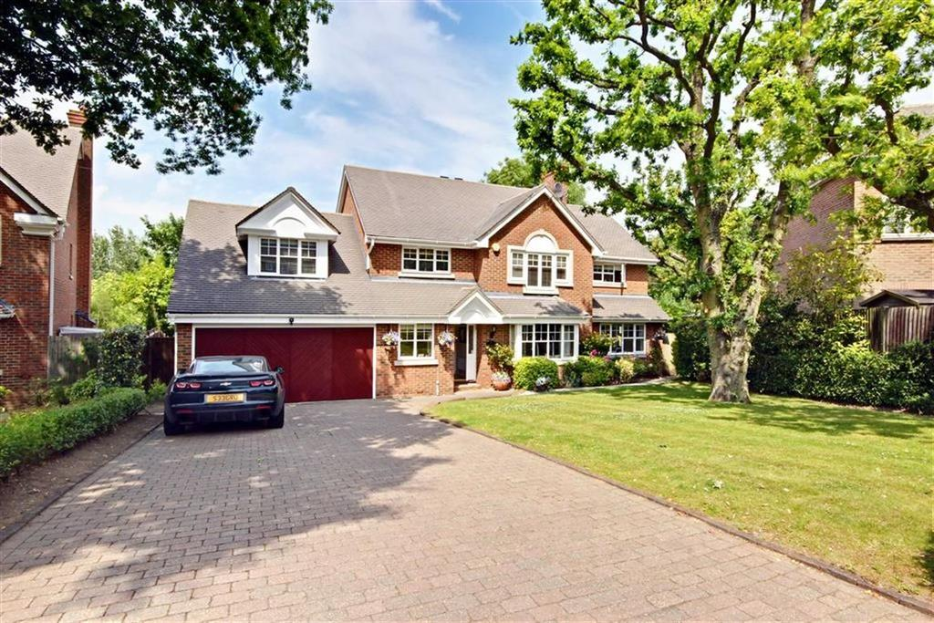 5 Bedrooms Detached House for sale in Blattner Close, Elstree Borehamwood, Hertfordshire