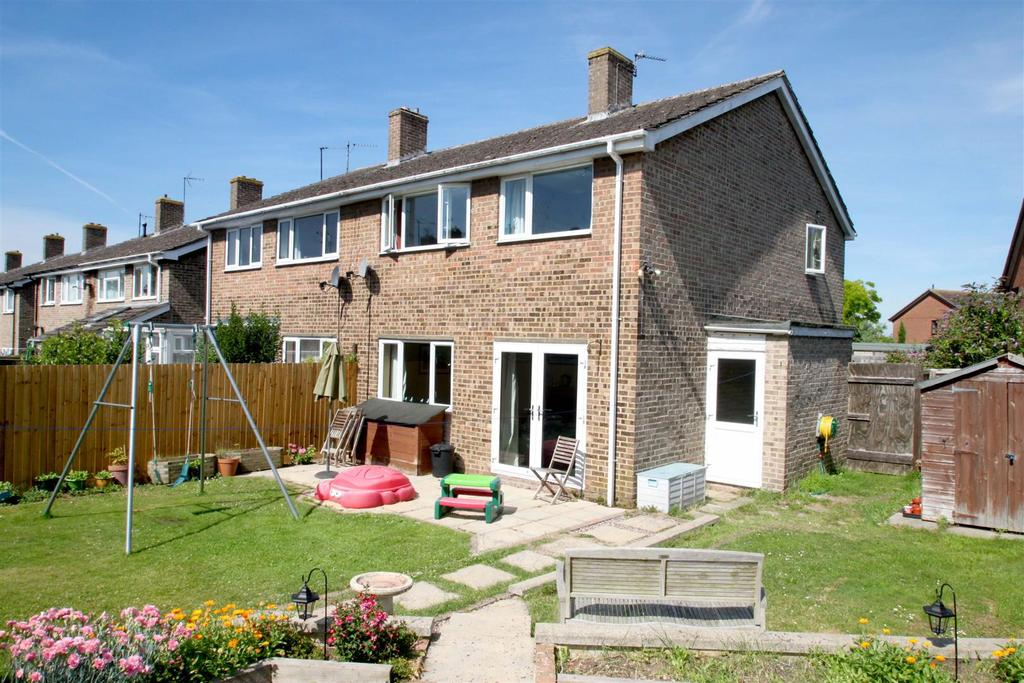 3 Bedrooms Semi Detached House for sale in Beverley Close, Chalgrove, Oxford