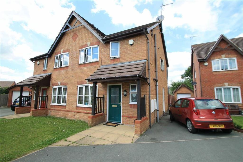 3 Bedrooms Semi Detached House for sale in Top Farm Road, Rhosrobin, Wrexham