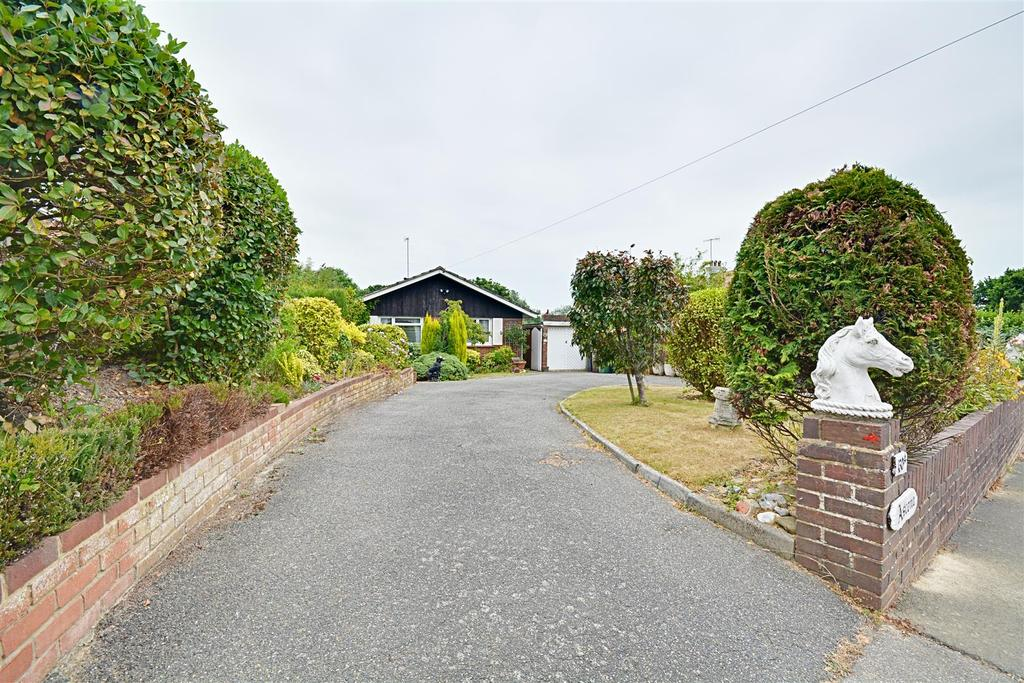3 Bedrooms Detached Bungalow for sale in Peartree Lane, Bexhill-On-Sea