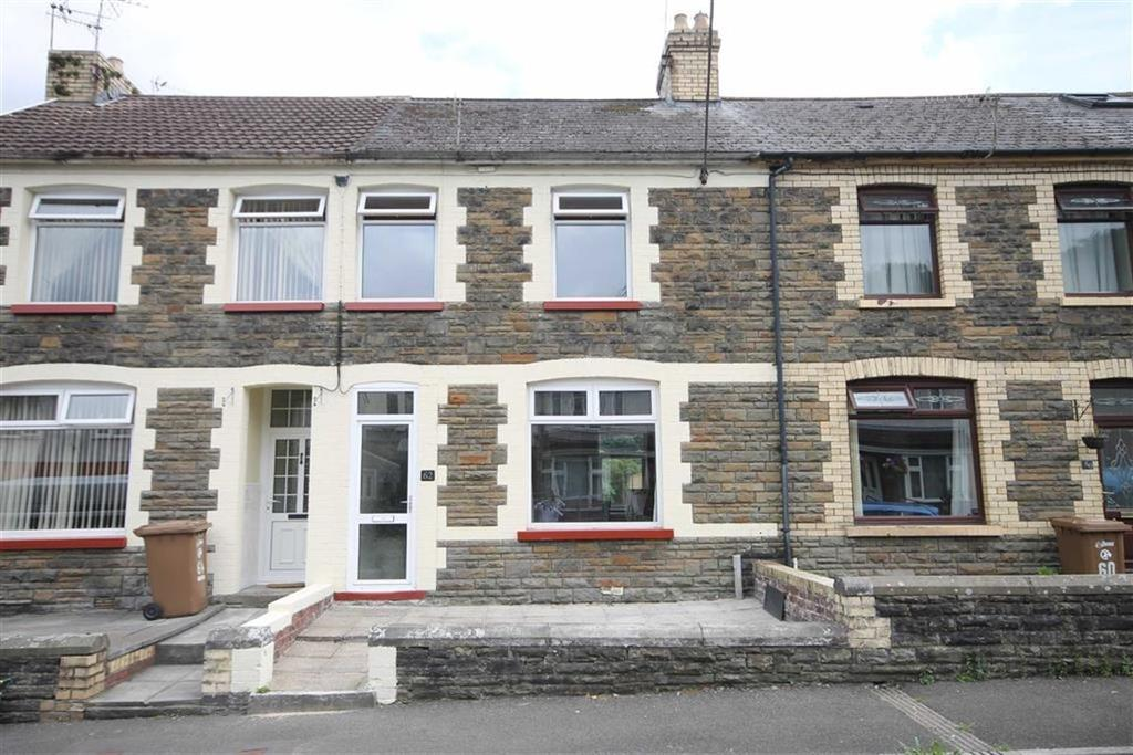 3 Bedrooms Terraced House for sale in Garden Street, Llanbradach, CF83